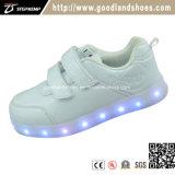 Le sport neuf de chargeur des chaussures USB d'éclairages LED chausse Hf567-1
