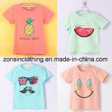 子供の綿のかわいいフルーツによって印刷される衣服