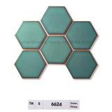 95X110は艶をかけたIntriorの使用(6623)のための水晶濃紺の光沢のある六角形の磁器のモザイク・タイルを