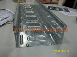 Rodillo perforado galvanizado automático de la bandeja de cable que forma la máquina de la producción