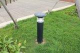 Los altos lúmenes impermeabilizan la lámpara solar al aire libre del césped para el jardín