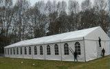 Im Freienpartei-Ereignis-Zelt für Auto-Ausstellung