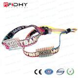 Più nuovo Wristband tessuto RFID del braccialetto di Ntag 213 NFC del E-Biglietto di festival di musica
