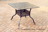 セットの鋳造アルミの家具を食事する普及した庭