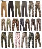 Sport esterni verdi che cacciano i pantaloni tattici degli uomini durevoli antivento impermeabili