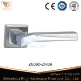 Le satin Nickle Zamak Couleur de l'intérieur de poignée de porte en bois sur la rosette (Z6093-ZR14)