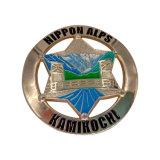La meilleure vente de l'émail dur carrés de verre fine broche métallique d'un insigne