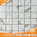 Плитка мозаики Calacatta Blanco Сетк-Установленная подземкой стеклянная (V671001)