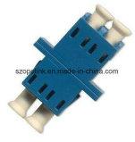 Adaptateur fibre optique pour cordon de raccordement à fibre optique