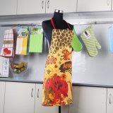 Tipi differenti grembiule di modo superiore della cucina della busbana francese della stampa del fiore per delle donne la vendita direttamente