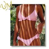 Form-neuer rosafarbener Schwimmen-Klage-Bikini mit Laciness