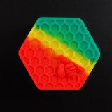 precio de fábrica 26ml abeja hexágono Contenedor de silicona para el comercio al por mayor