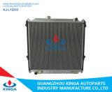 Depósito de aluminio Alquiler de radiador para Toyota Prado 95-98 Vzj95 en