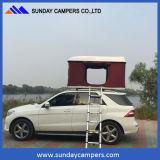 Tenda superiore dura di campeggio esterna del tetto dell'automobile fuori strada