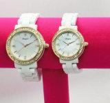Montre de mode en céramique de montre de quartz de femme avec la qualité suisse