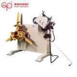 Uncoiler automático con la enderezadora hace enderezarse material