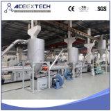 Gránulos del PVC que granulan haciendo la máquina