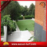 Het zachte Kunstmatige Gras van het Landschap voor de Binnenplaats van de Tuin van de Speelplaats