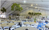 Barraca grande do casamento do famoso de Ridge com o revestimento e a decoração