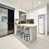 Haute brillance laque à écran plat des armoires de cuisine