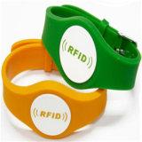 Kundenspezifische RFID Handgelenk-Band-Uhr von der China-Band-Chip-Farbe