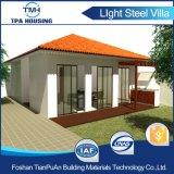 Casa de acero prefabricada del chalet de 2 dormitorios con el pequeño jardín