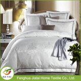In het groot Witte Moderne Polyester Vier Reeksen van het Beddegoed van het Hotel van Seizoenen