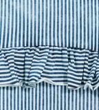 소매 없이 주문 소녀의 줄무늬로 한 t-셔츠