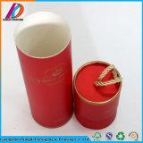 Le seul modèle soulèvent le tube de papier de cadeau avec le couvercle