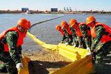 Boom do petróleo inflável de borracha da proteção ambiental