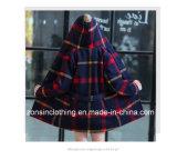 Осенью и зимой девочек нанесите полоску детей одежду с капота