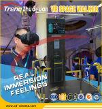HTC Vive Vr que recorre levantándose el simulador de la realidad virtual con la plataforma que recorre del espacio infinito de Vr