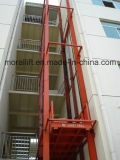 La plataforma del elevador hidráulico de elevación de mercancías para almacén