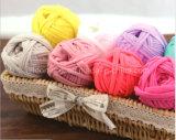 Lavoro a maglia del filato operato Crocheting della maglietta della striscia del sacchetto dell'amo del nastro