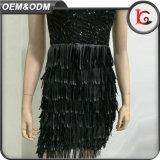 Сделано в Китае подгонял черное платье вечера Tassels шикарных женщин платья женщины Paillette