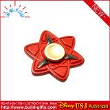 金属螺線形指のジャイロコンパスの赤いカラー手の紡績工