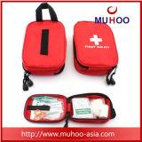 Kit de primeros auxilios del yermo que acampa del recorrido al aire libre seguro de la supervivencia