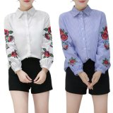 女性の夏のばねの長い袖のブラウスの花の刺繍されたワイシャツのしまのある偶然のワイシャツの上