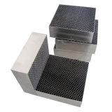 手段の触媒コンバーターのための金属蜜蜂の巣の基板