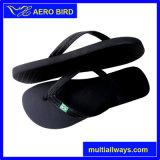 Покрашенные равниной ботинки сандалии тапочки PE пляжа для человека (T1580)