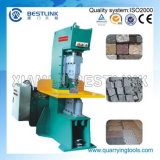 Máquina de fabricação de blocos de concreto e concreto