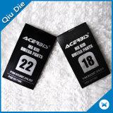 Etiqueta impressa tela da lavagem do cuidado do tamanho da etiqueta de cuidado do vestuário do cetim do poliéster para calças do miúdo