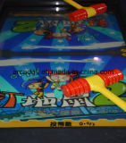 Interessante whack-a-mole Kid batendo Rat com moedas máquina de jogos