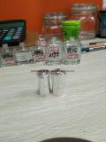 La fabbrica progetta la bottiglia per il cliente vuota del polacco di chiodo