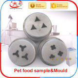 Espulsione dell'alimento per animali domestici che fa macchina