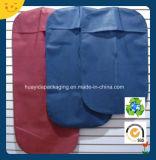 Sacchetto di indumento non tessuto reso personale di /Clothes dei vestiti