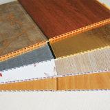 Matériau de construction en bois plastique laminé PVC Panneau mural de plafond, Cielo Raso de PVC