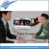 Una impresora de tarjetas de alta calidad se conectan a la base de datos
