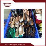 Zapatos de cuero barato y barato usados para la exportación
