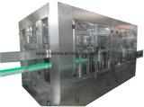Macchinario imbottigliante di riempimento della bevanda gassoso cola automatica della bevanda della protezione di parte superiore della bottiglia di vetro